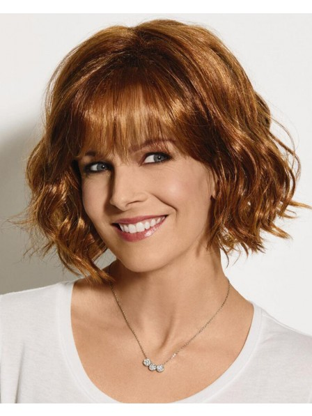 Pretty Chin-Length Bob Wig With Lightly Tousled Layers Of Beachy Waves